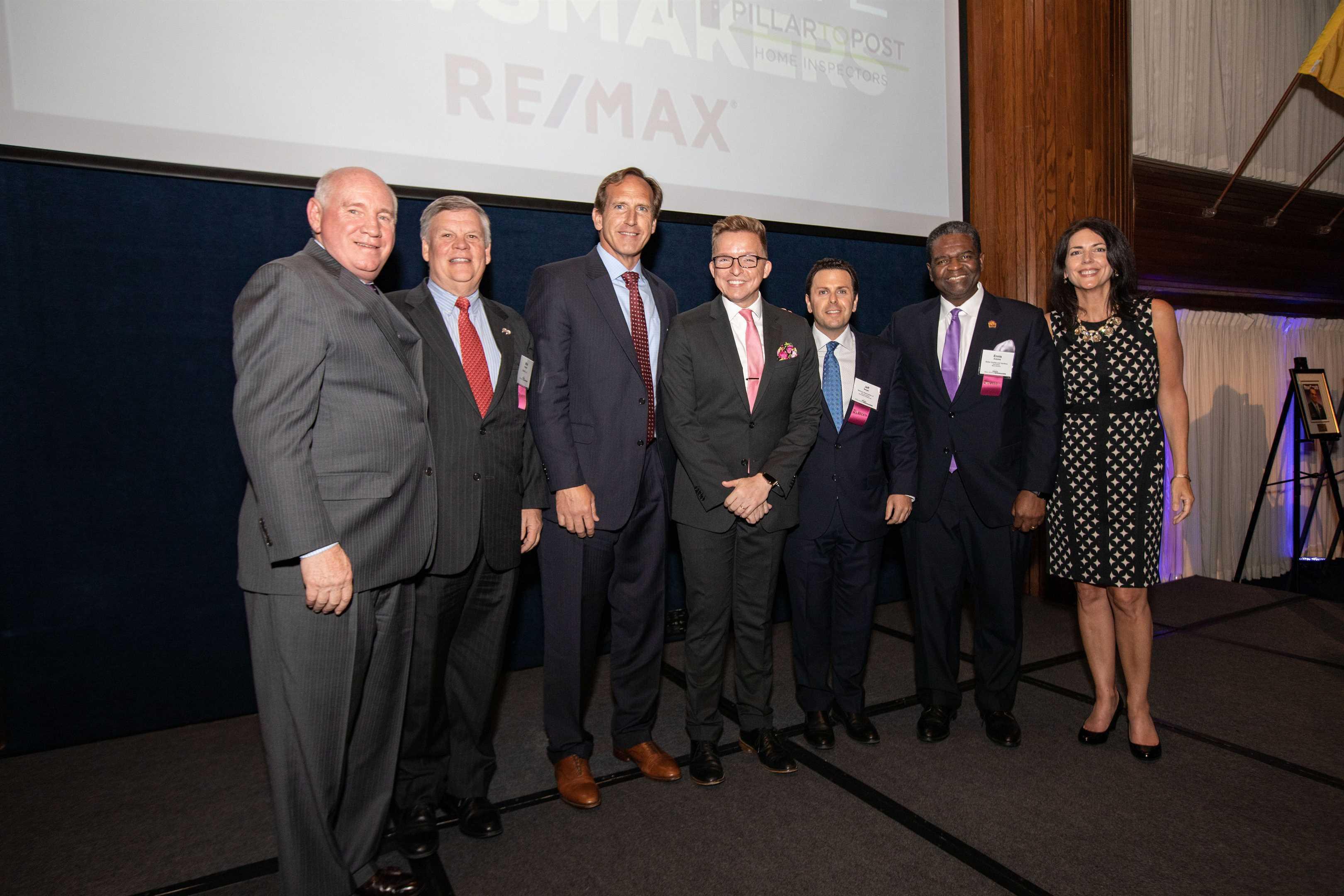 Doug Hutchins Receives National Real Estate Award